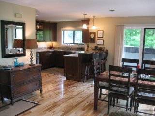 4+ Bdroom Standalone Condo - Best Views of Loon! - Lincoln vacation rentals