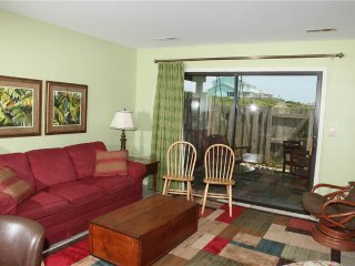 2 bedroom Apartment with A/C in Pine Knoll Shores - Pine Knoll Shores vacation rentals