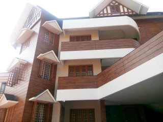 Erackath Luxury 3-Bedroom Apartment behind Oberon Mall - Ernakulam vacation rentals