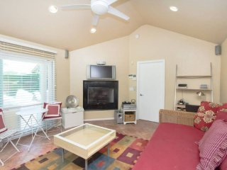 Furnished Studio Home at W Amberwood Dr & S Copperwood Ave Inglewood - Inglewood vacation rentals