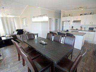 St Helenas - Modern Jindabyne Holiday Home - Jindabyne vacation rentals