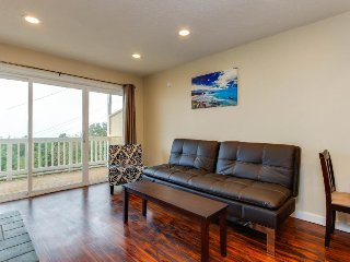 Dog-friendly condo with beach access & ocean views from private balcony! - Lincoln City vacation rentals