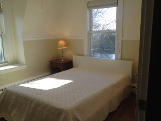 Large,bright,furnished Private Room in Quincy - Quincy vacation rentals