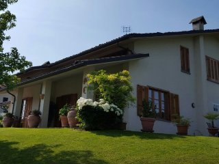 Wonderful 2 bedroom Villa in Rodello with Central Heating - Rodello vacation rentals