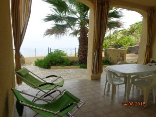 Casa a 80 metri dal mare con vista sul mare - Tresnuraghes vacation rentals