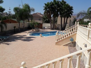 Tastefully furnished 3 Bed (all en-suite) Villa wi - Catral vacation rentals