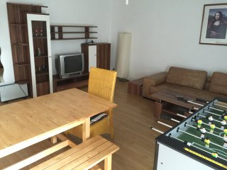 Nice Condo with Deck and Internet Access - Limburg vacation rentals