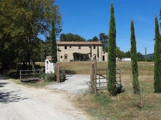 Casale S.Maria - discover Tuscany - Poggioferro vacation rentals