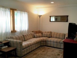 Country Convenient - cozy 2bd apartment in Windham - Windham vacation rentals