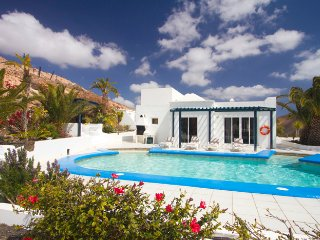Lovely Villa with Television and DVD Player - Femes vacation rentals