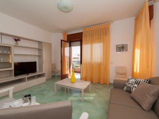 Comfortable Condo with Television and Balcony - Minturno vacation rentals