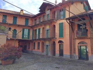 Soggiorno Centro Storico B&B Casa Vacanze - Vimercate vacation rentals