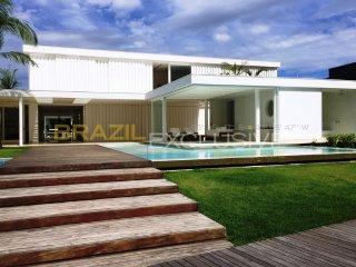 Luxury House in Mangaratiba - Ang014 - Vila Muriqui vacation rentals