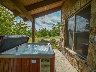 Elegant 4 Bedroom Mountain home w/ Hot Tub in prestigious gated community! - McHenry vacation rentals