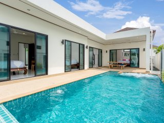 Private 3br Pool with jacuzzi Villa (NC-V12) - Nai Harn vacation rentals