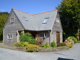 Oak lodge close to beaches, Tintagel & Port Isaac. - Davidstow vacation rentals
