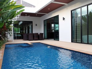 Tranquil Private 3br Pool Villa (IV1-V11) - Nai Harn vacation rentals