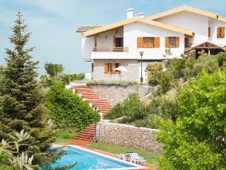 Beautiful villa to enjoy with family and friends - Viznar vacation rentals