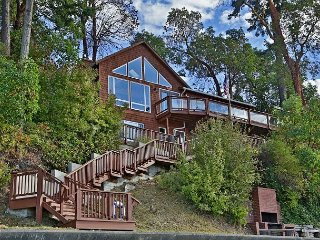 Waterfront Coupeville home with beautiful Penn Cove view (243) - Coupeville vacation rentals