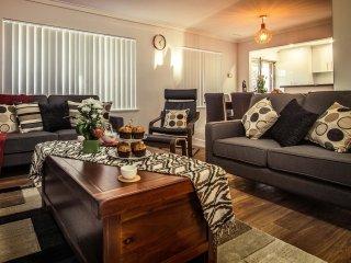 Istana Morley Perth - Amazing Value! - Perth vacation rentals