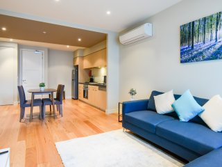 UrbanMinder at Istana - Melbourne vacation rentals