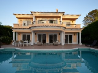 Lovely 3 bedroom Vale do Lobo Villa with Internet Access - Vale do Lobo vacation rentals
