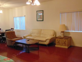 Budget Vacation Condo With Hardwood Floors - Los Angeles vacation rentals