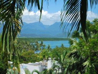 Monsoon Villa A - 3 Bedroom in Heart of Town - Port Douglas vacation rentals