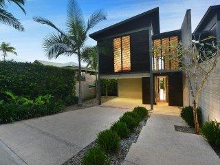 53B Murphy Street - 3 Bedroom Villa Close to Town - Port Douglas vacation rentals