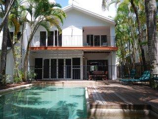The Condo - 4 Bedroom Villa Close to Beach & Town - Port Douglas vacation rentals