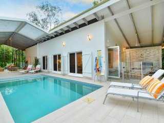 Pavilion in the Palms - 4 Bedroom House Near The Beach - Port Douglas vacation rentals