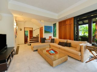 Solander Sunrise B - 4 Bedroom Beachside Villa - Port Douglas vacation rentals