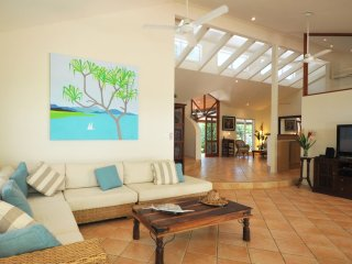 Sunbird - 5 Bedroom House by the Beach - Port Douglas vacation rentals