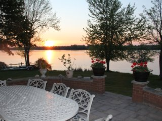 Stunning 5 BRM 4 Bath Lake Front Executive Home - Port Perry vacation rentals