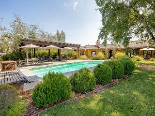 Gracious Living, Pool, and Privacy in Wine Country Near Old Sonoma - Sonoma vacation rentals