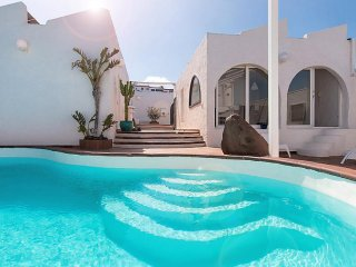 5 bedroom Villa in Las Palmas, Gran Canaria, Canary Islands : ref 2232895 - Melenara vacation rentals