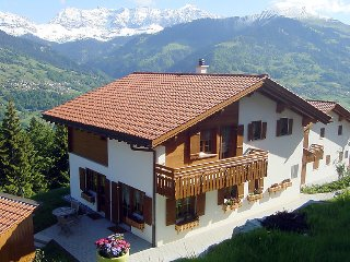 3 bedroom Apartment in Grusch, Praettigau Landwassertal, Switzerland : ref 2241915 - Gruesch vacation rentals
