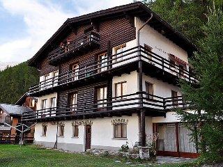 5 bedroom Apartment in Zermatt, Valais, Switzerland : ref 2250132 - Zermatt vacation rentals