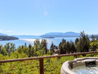 Lakeview home w/ convenient location and a private hot tub! - Hope vacation rentals