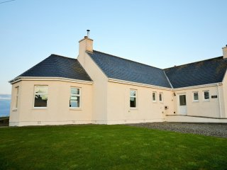 3 bedroom House with Internet Access in Stoneykirk - Stoneykirk vacation rentals