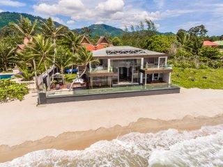 Villa U: 5* Beach-front  Villa with Infinity Pool - Lipa Noi vacation rentals