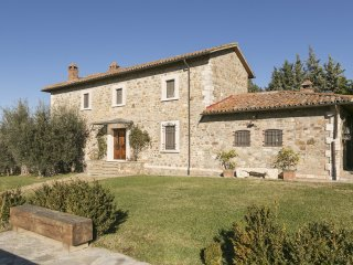 Nice Villa with Internet Access and A/C - Parrano vacation rentals