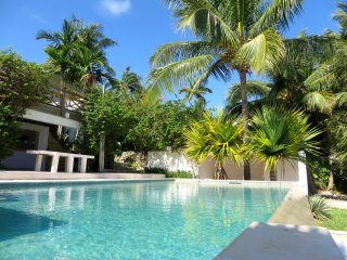 BEACH-FRONT VILLA WITH PRIVATE POOL - Nassau vacation rentals