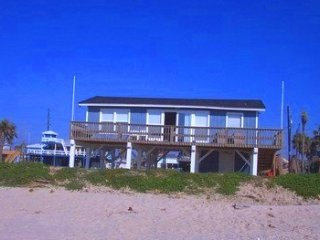 Beachfront in Jamaica Beach!- See Haus - Galveston vacation rentals