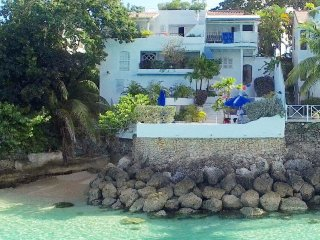 OCEAN BLUES UPSTAIRS STUDIO with magnificent view - Prospect vacation rentals