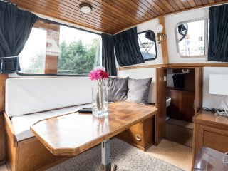 Artemis; dutch houseboat 10 min Center - Amsterdam vacation rentals