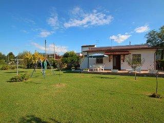Bright 2 bedroom House in Montignoso - Montignoso vacation rentals
