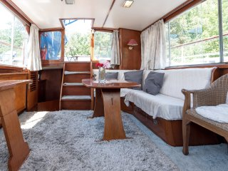 Aldebaran; dutch houseboat 10 min center - Amsterdam vacation rentals