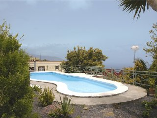 Holiday cottage with shared pool in Breña Baja - Chizarira National Park vacation rentals