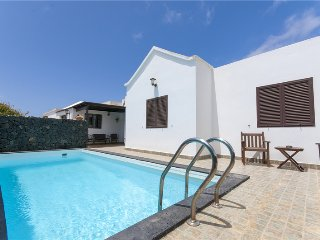 Holiday cottage with pool in Güime - Chisamba vacation rentals